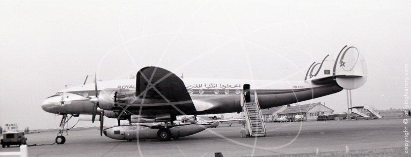 Anciens avions de la RAM - Page 3 3007-dakar-airport-1960